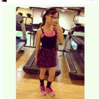 Larissa Manoela aparece em foto em academia